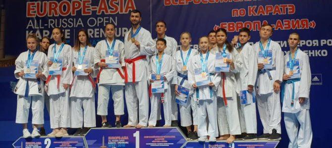 Сахалинские каратисты побили рекорд по завоеванным медалям на всероссийских соревнованиях в Оренбурге