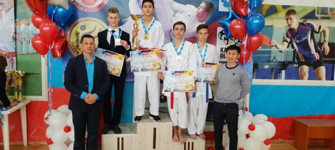 Сахалинские каратисты завоевали 17 медалей открытого первенства Приморского края и Дальневосточных соревнований по каратэ