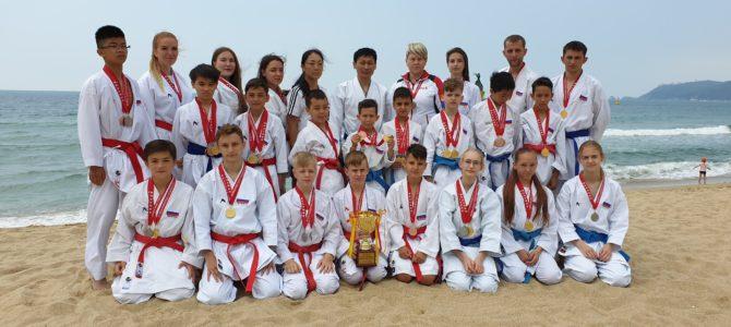 Сахалинцы стали первыми на международных соревнованиях по каратэ