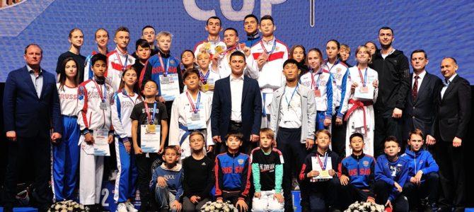 Островные каратисты завоевали 12 медалей всероссийских соревнований в Оренбурге