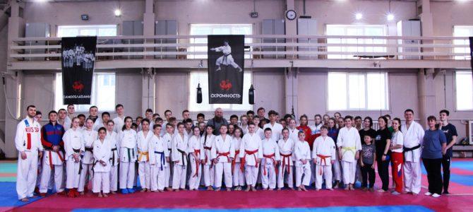 Сергей Бурлаков встретился с представителями спортивной федерации каратэ Сахалинской области