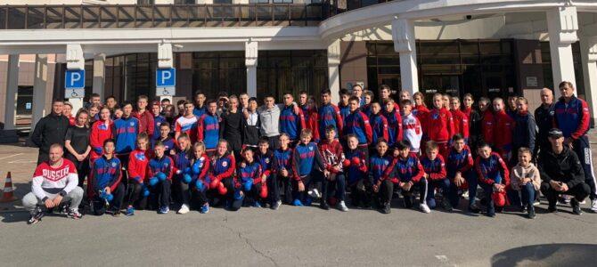 Островные каратисты отправились за медалями в Екатеринбург